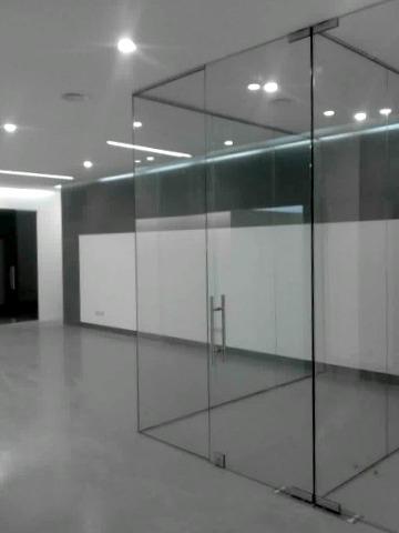 divisorias-escritorios-vidro-incolor-av-boavista-montecillo-4