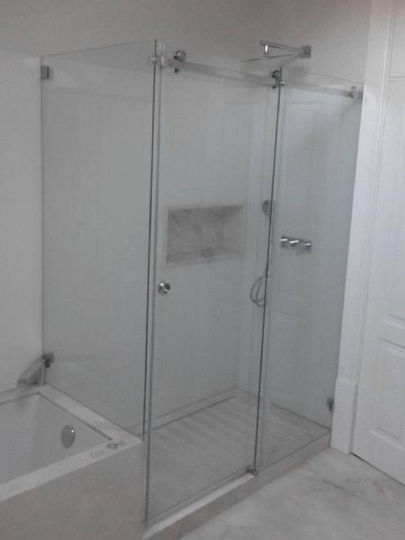resguardo banheira duche 2 fixo 1 porta correr vidro. 4