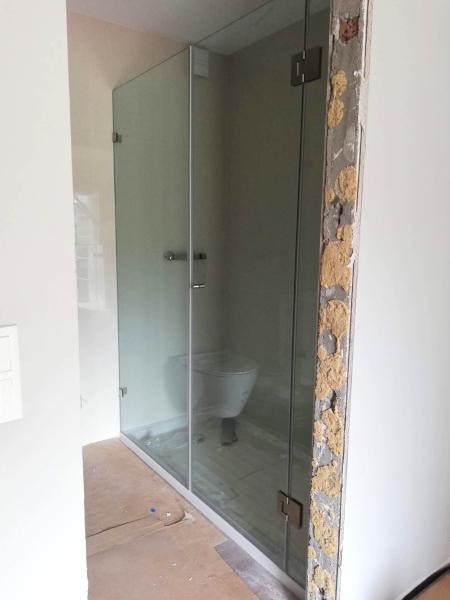 resguardo frontal banheira duche 2 vidros fixos 1 porta abrir vidro temperado 2