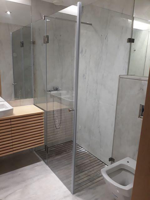 resguardo frontal de banheira duche vidro fixo e porta abrir