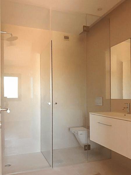 resguardo frontal wc vidro temperado incolor portas e fixos dobradiças entre vidros 2