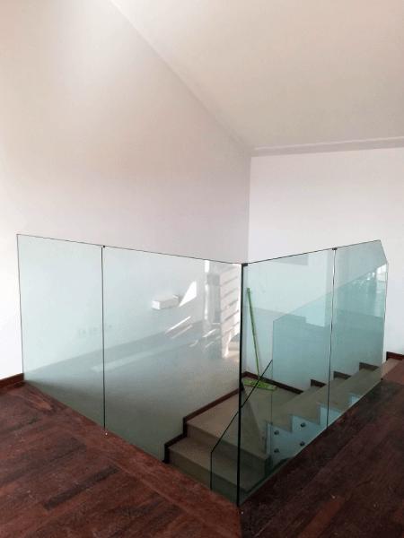 Guarda Varanda vidro temperado incolor botões e afastadores 4